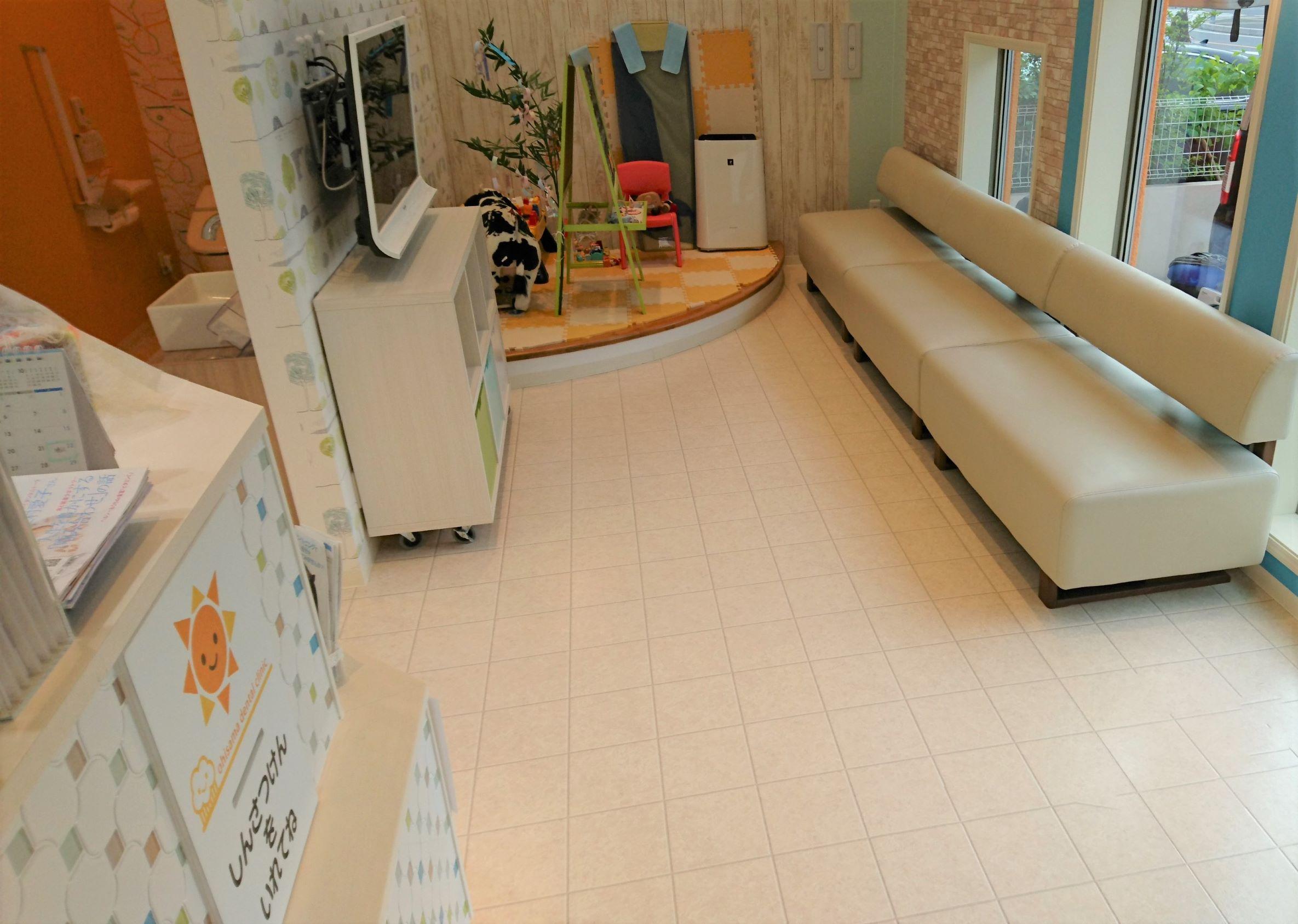 埼玉の病院にてUVフロアコートを施工!
