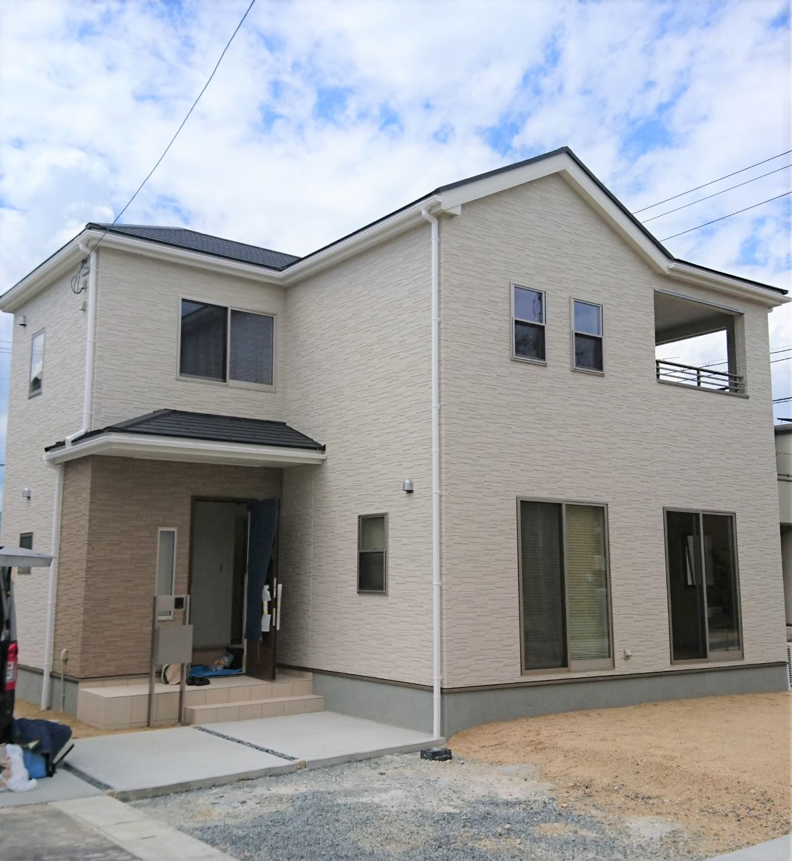 岡山の新築戸建住宅へUVフロアコーティング